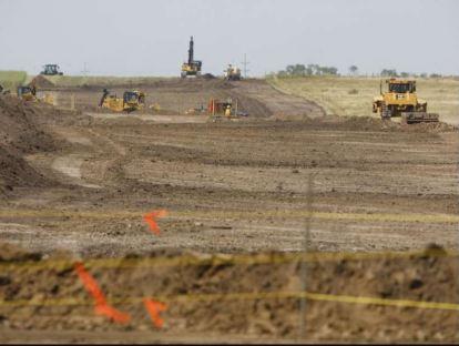 Enbridge pipeline assembly